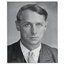 ABBOTT, BERENICE (1898-1991) [Max Ernst].