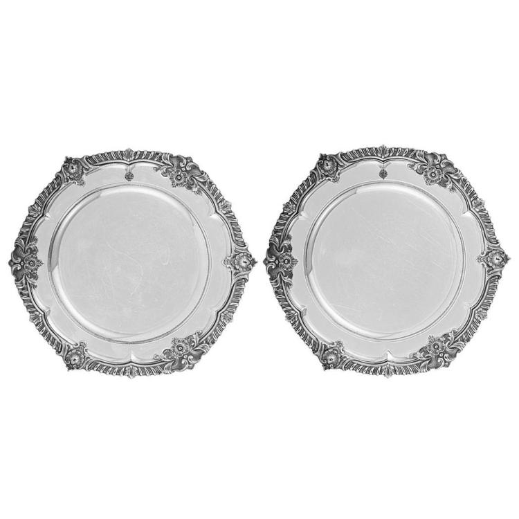 sc 1 st  Invaluable & Pair of Royal William IV Sterling Silver Dinner Plates