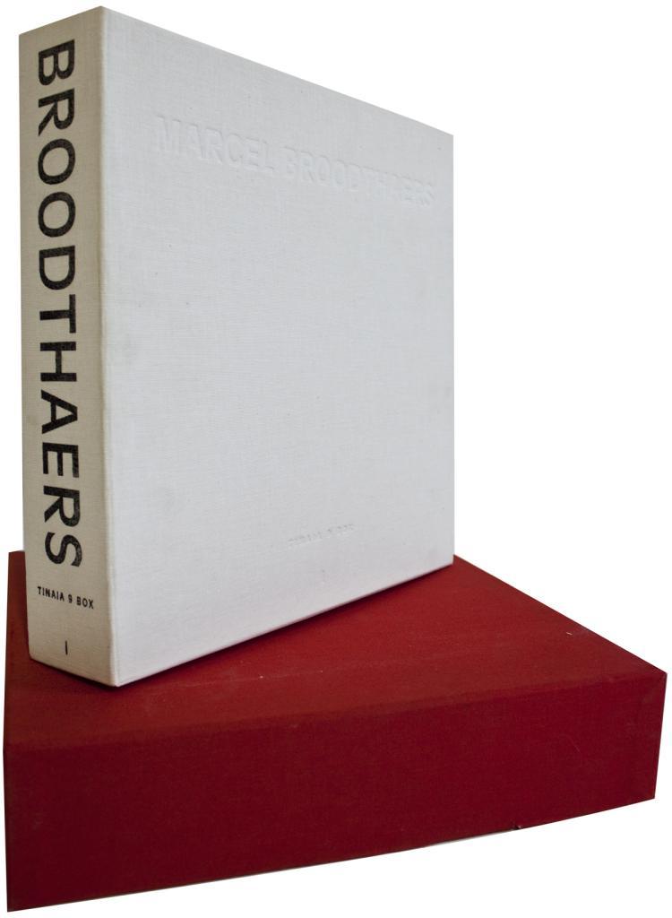 Marcel Broodthaers: Tinaia 9 Box - 1994