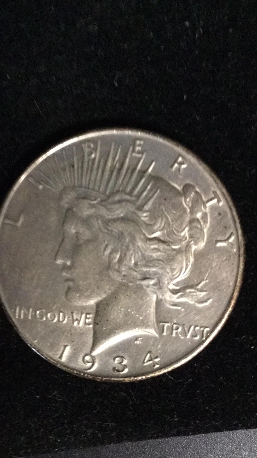 Lot 1: 1934 peace dollar