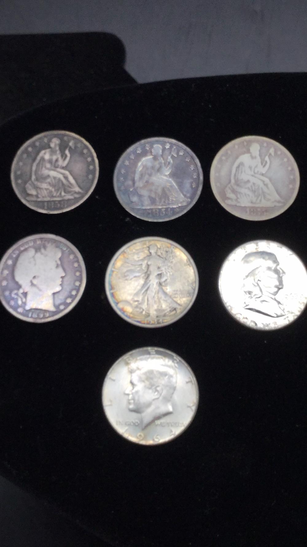 Lot 16: Half dollar coins