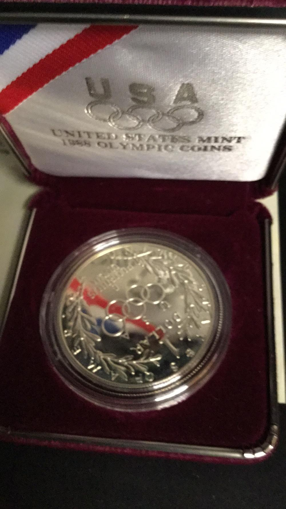 Lot 115: 1988 proof silver dollar