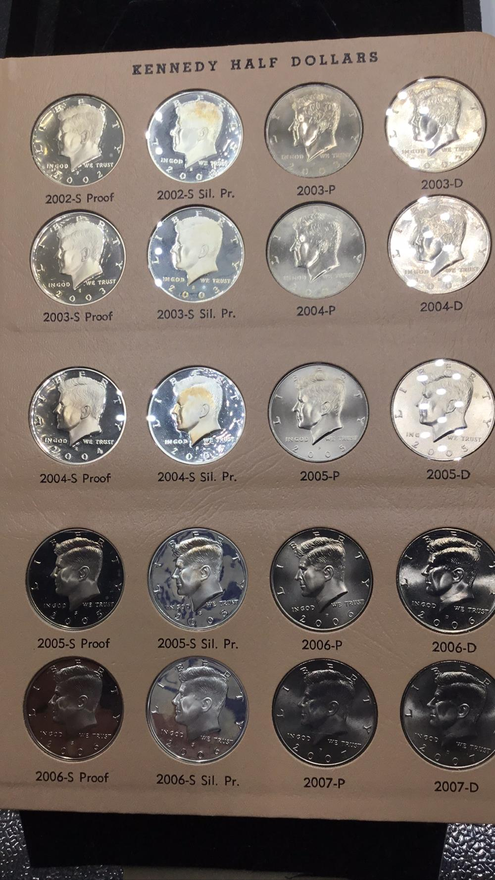 Lot 116: 20 Kennedy half dollars