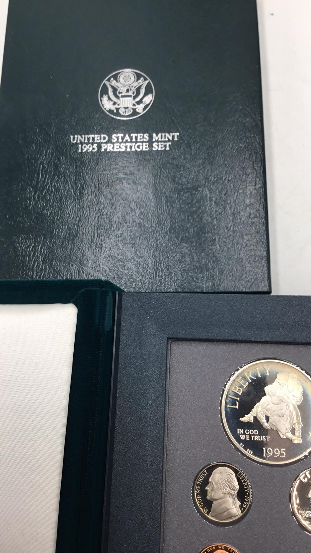 Lot 124: United states mint Prestige set, silver war