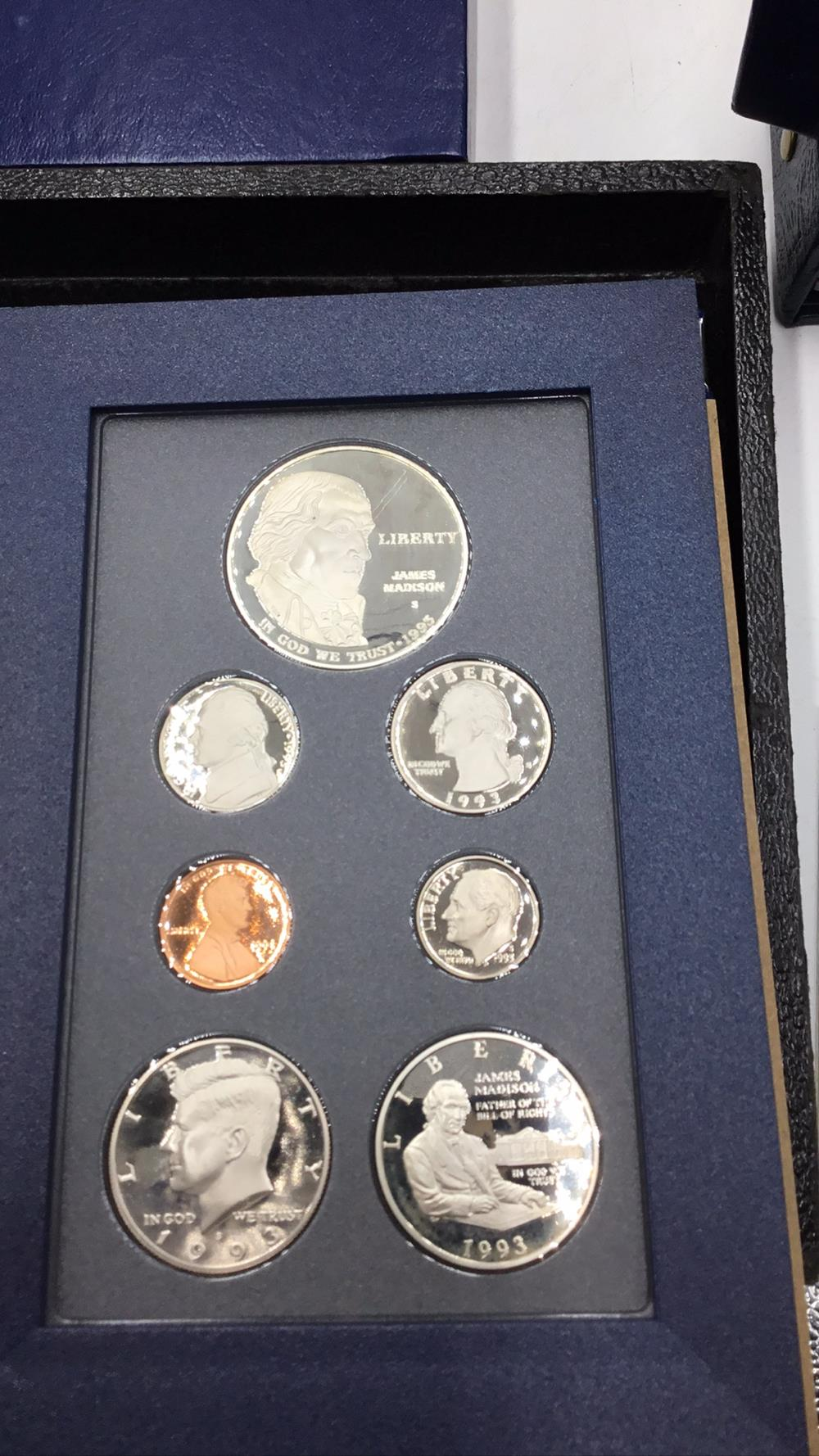 Lot 145: United States mint bill of rights commemorative