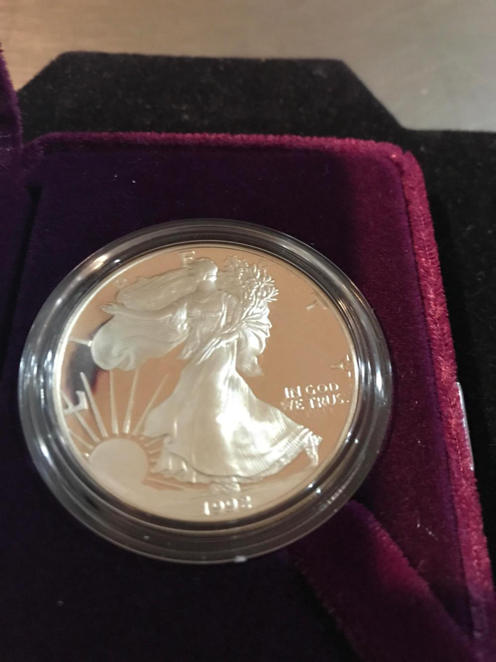 Lot 153: 1992 silver American eagle one dollar coin proof