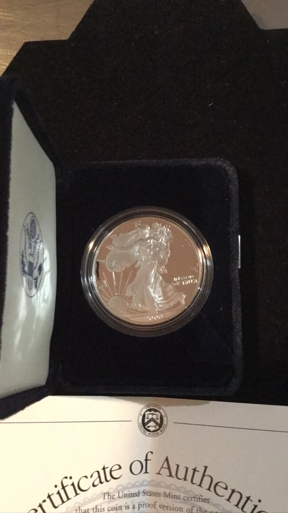 Lot 168: American eagle 1 ounce proof silver bullion coin