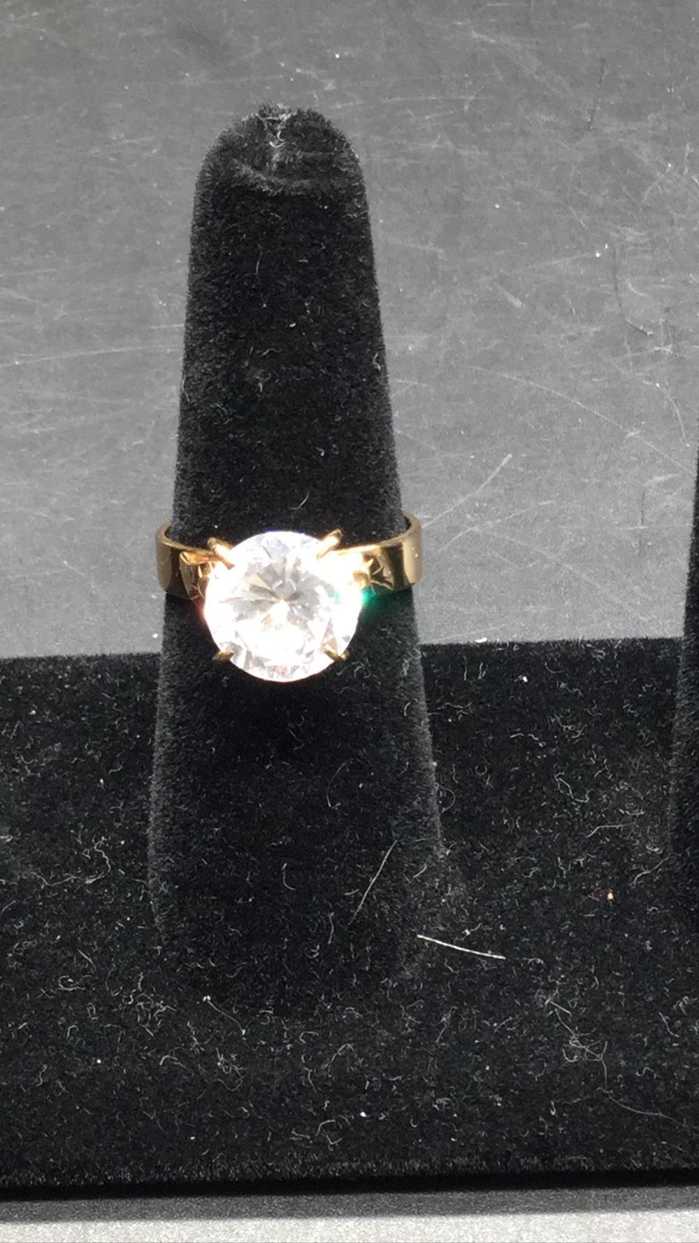 14k ring with 6.0 ct clear stone