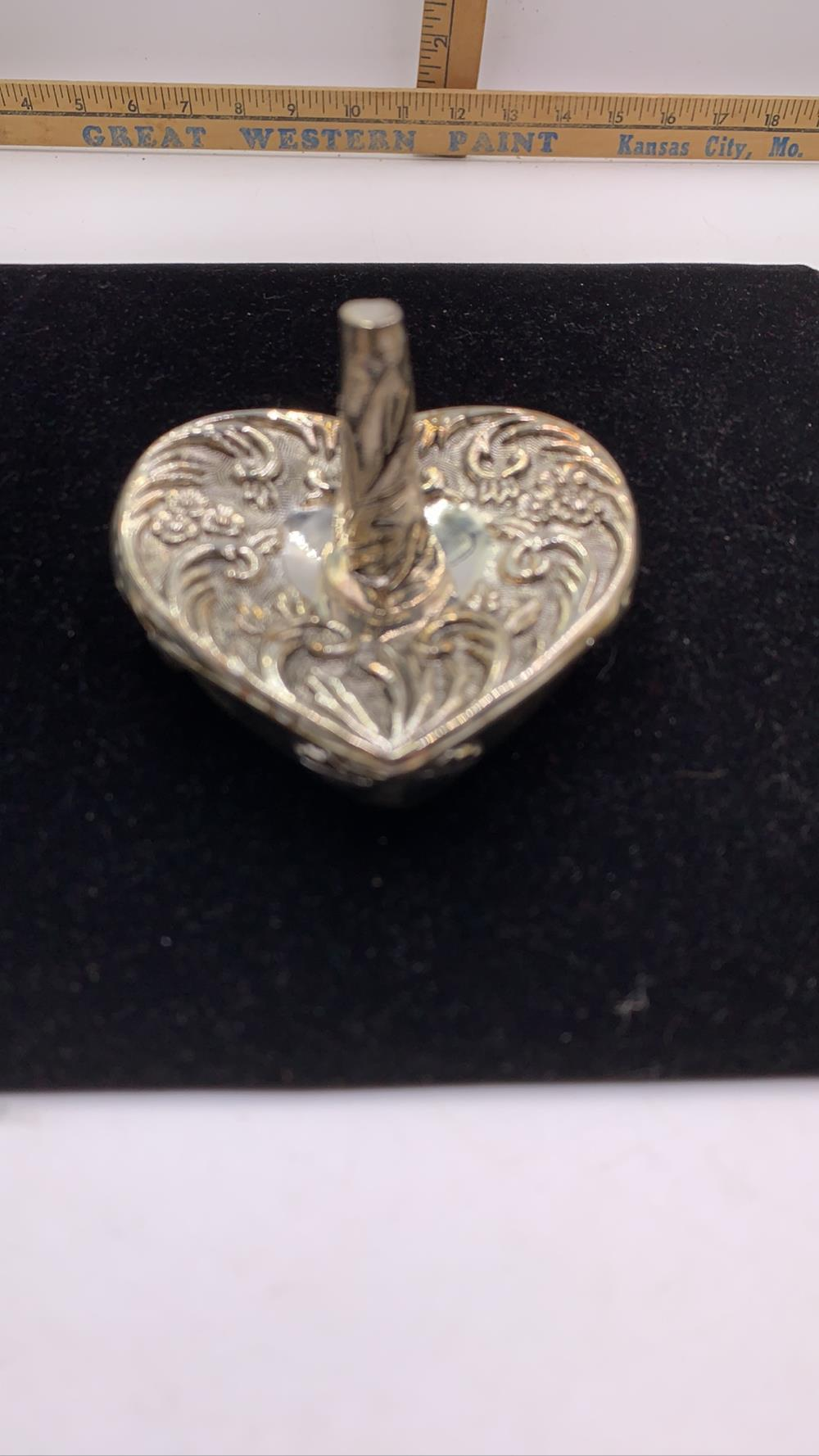 Victorian boutiques silver plated ring holder