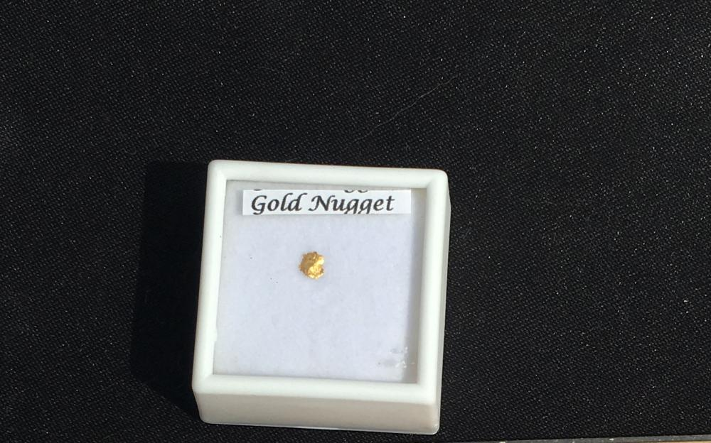 Lot 16: Gold, Rock, Crystal, Natural, Collectible, Mineral, Specimen