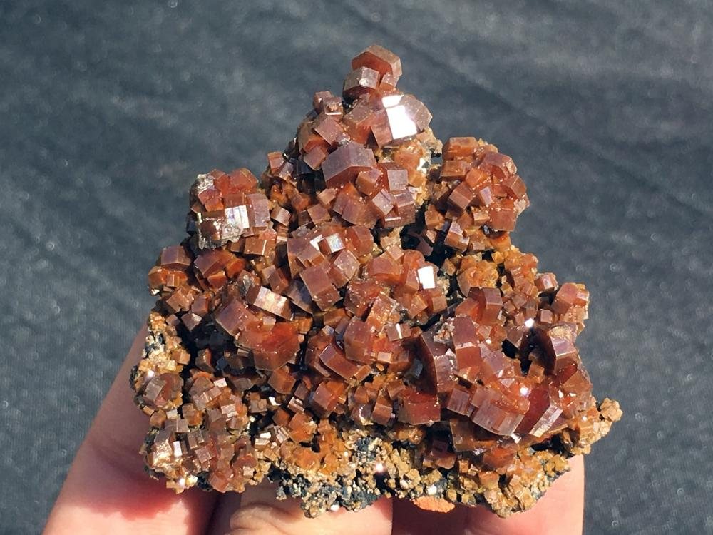Lot 281: Vanadanite, Rock, Crystal, Natural, Collectible, Mineral, Specimen