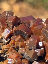 Lot 281: Vanadanite, Rock, Crystal, Natural, Collectible, Mineral, Specimen