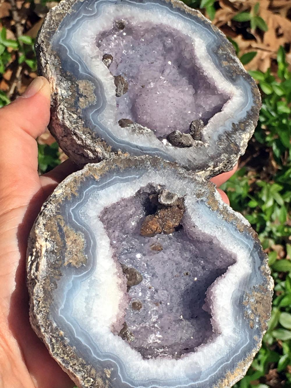 Lot 294: Geode, Rock, Crystal, Natural, Collectible, Mineral, Specimen