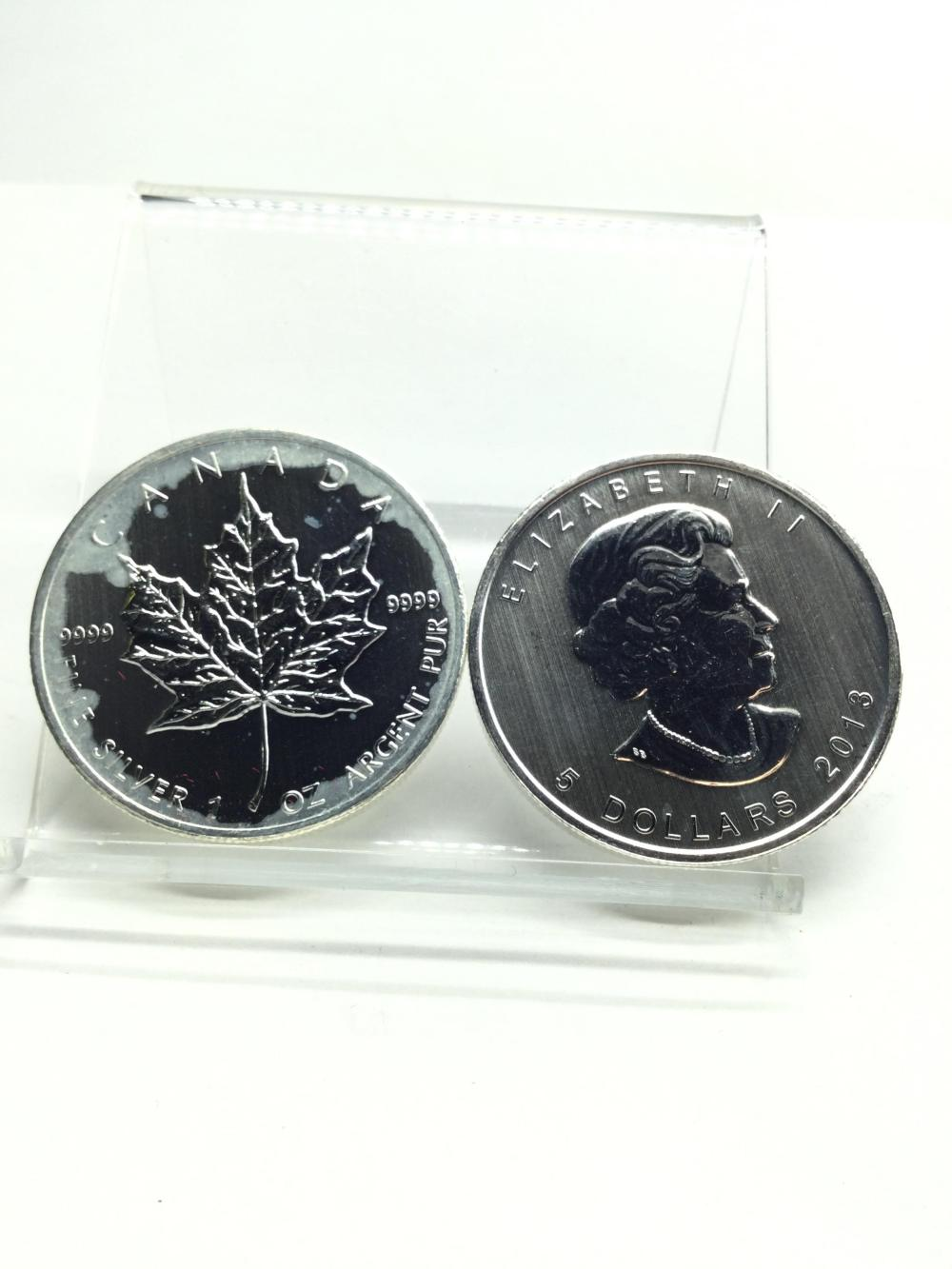 2 Canadian 1 Argent Ounce Fine Silver Rounds