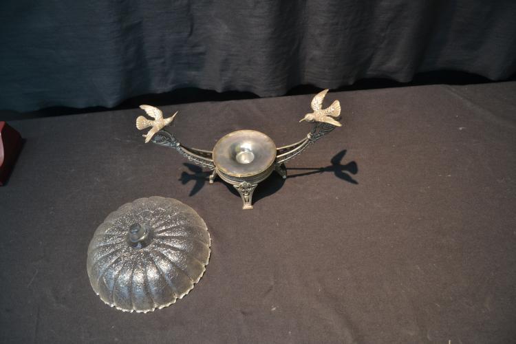 Dating meriden silver plate