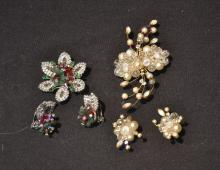ASSORTED CARNEGIE HOBE COSTUME JEWELRY