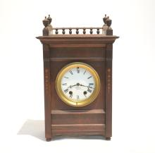 SETH THOMAS MANTLE CLOCK WITH GALLERY