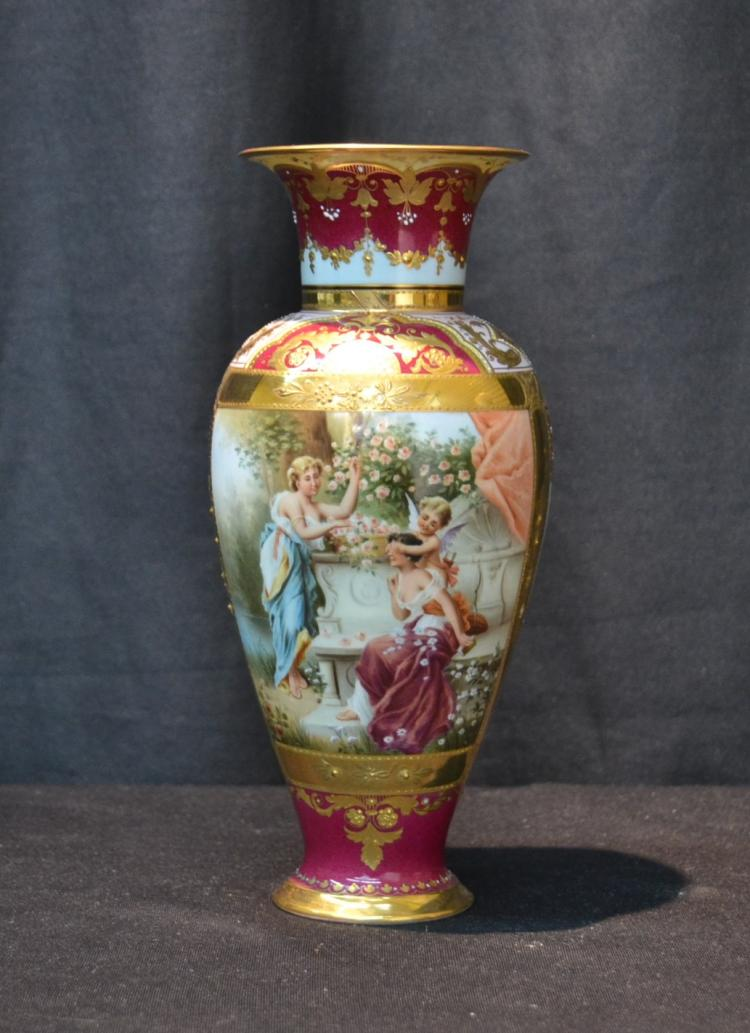 GERMAN VIENNA STYLE VASE WITH FIGURAL SCENE