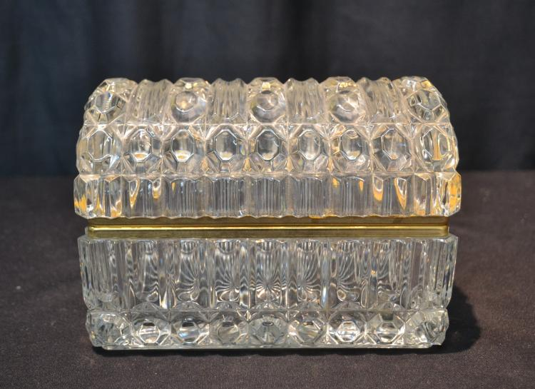 HINGED CRYSTAL DOME TOP BOX