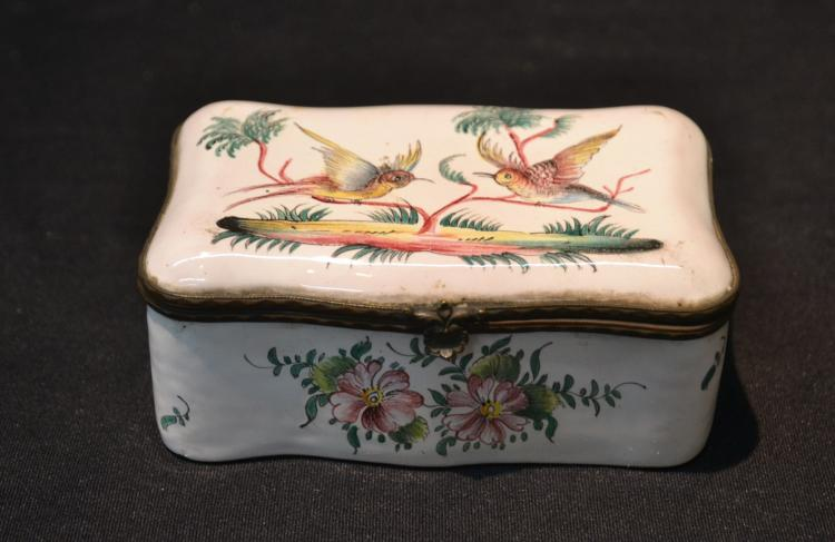 EARLY 19thC FRENCH ENAMEL HINGED BOX WITH BIRDS &