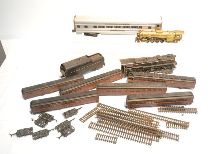 TRAINS INCLUDING LIONEL 681 , BRONZE