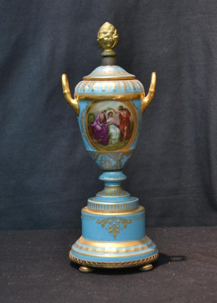 ROYAL VIENNA STYLE URN WITH DOUBLE FIGURAL