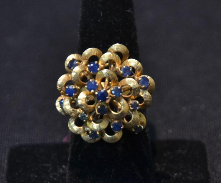 14kt (15) SAPPHIRE FLOWER FORM DOME RING