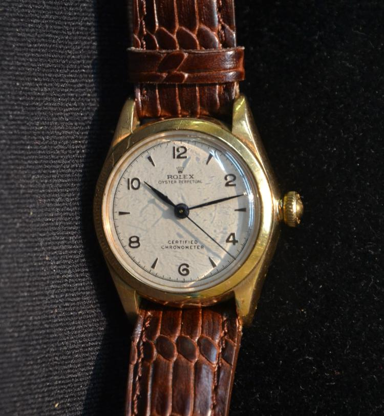 18kt 1947 ROLEX BUBBLE FACE WRIST WATCH
