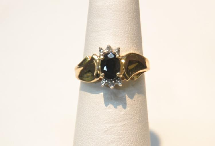 14kt GOLD & SAPPHIRE RING - SIZE 6 1/2 ; 1.7dwt