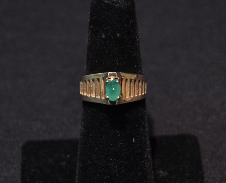 14kt EMERALD RING - SIZE 6 3/4 ; 2.9dwt
