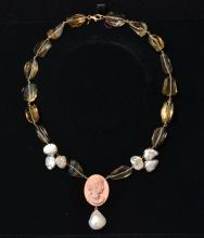18kt SEMI PRECIOUS STONE NECKLACE WITH PEARLS,