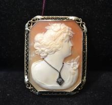 SQUARE PORTRAIT CAMEO WITH DIAMOND SET IN 14kt