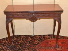 MAHOGANY EXTENSION TABLE WITH CLAW FEET &