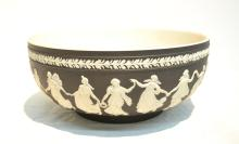 19thC BLACK WEDGWOOD BOWL WITH NEO CLASSICAL