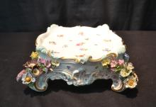 MEISSEN PORCELAIN PLATEAU WITH ENRUSTED FLOWERS