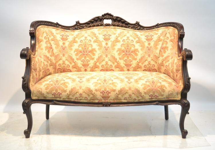 VICTORIAN CARVED ROSEWOOD SETTEE WITH