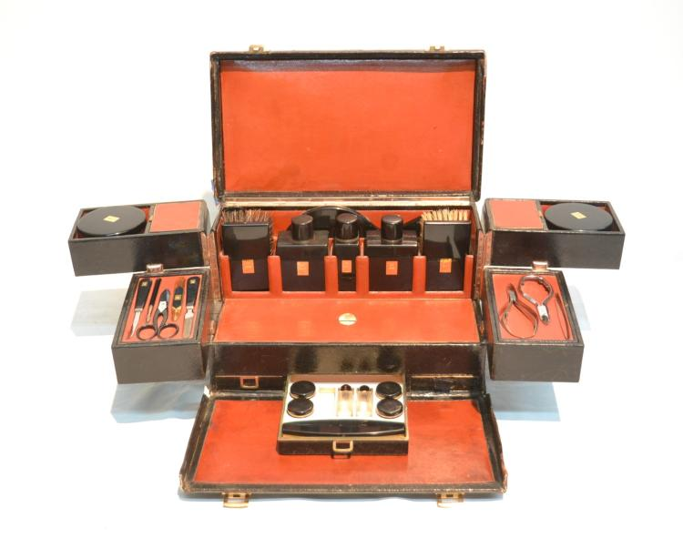 JAPANESE BLACK LACQUER TRAVEL VANITY SET
