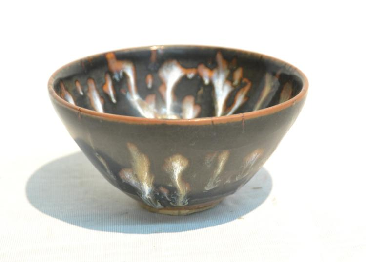SONG DYNASTY POTTERY TEA BOWL - 4 1/2
