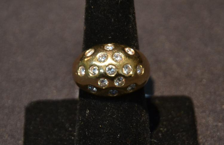 14kt GOLD & (15) DIAMOND RING WITH APPROXIMATELY