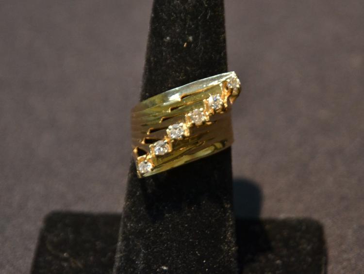 14kt GOLD & DIAMOND RING - SIZE 6 ; 7.2grams