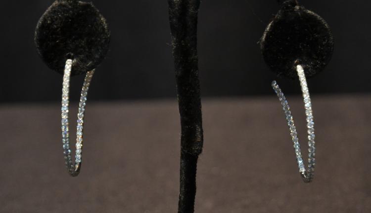 (Pr) 18kt GOLD & DIAMOND HOOP EARRINGS WITH