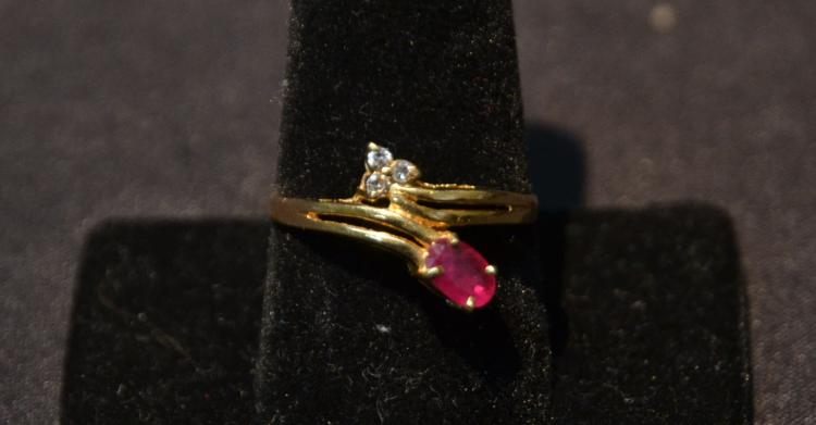 14kt RUBY & DIAMOND RING - SIZE 9 1/2 ; 2.6grams