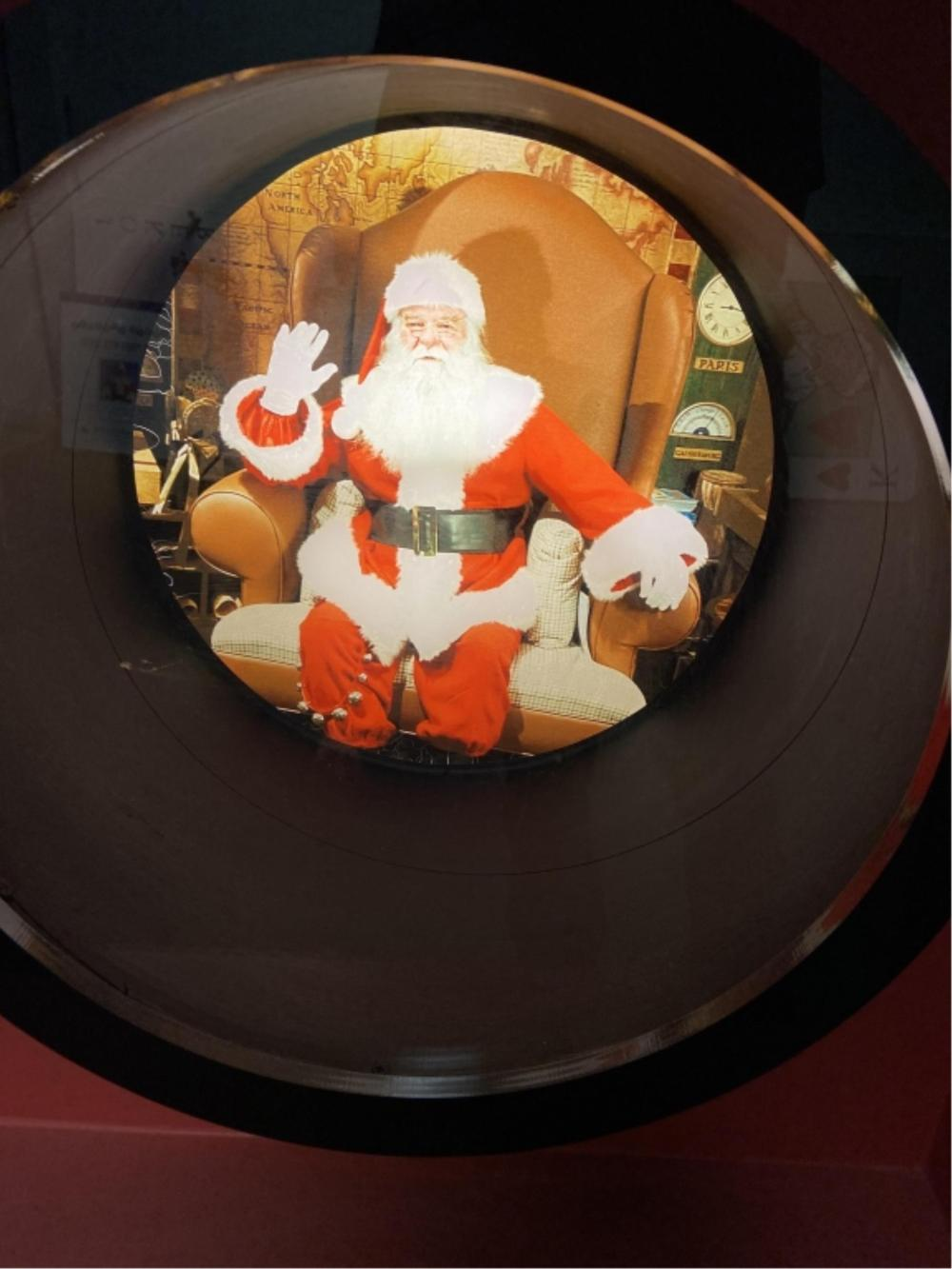 Large Mall Display Santa Decoration.