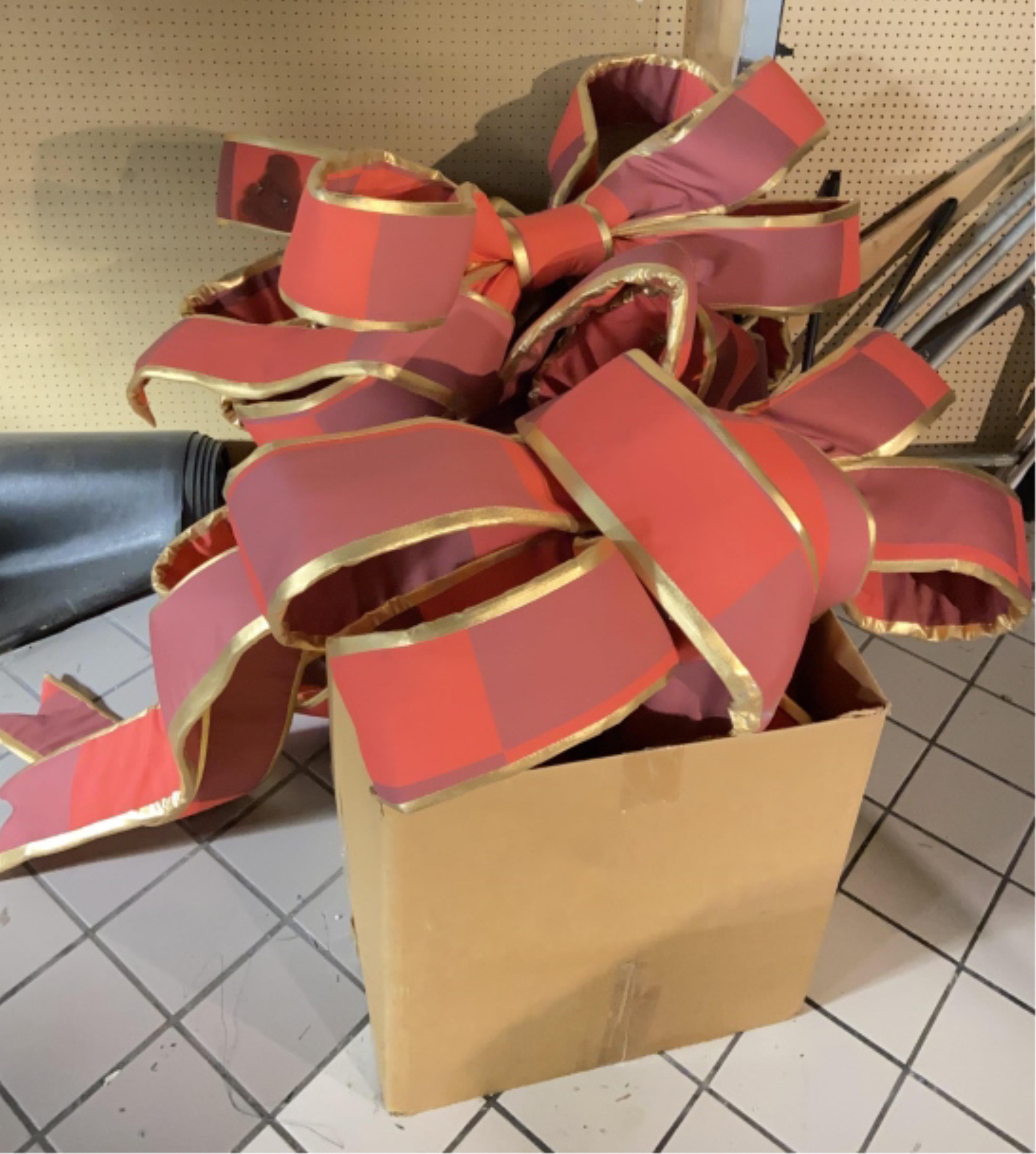 Large Assortment Of Oversized Xmas Bows