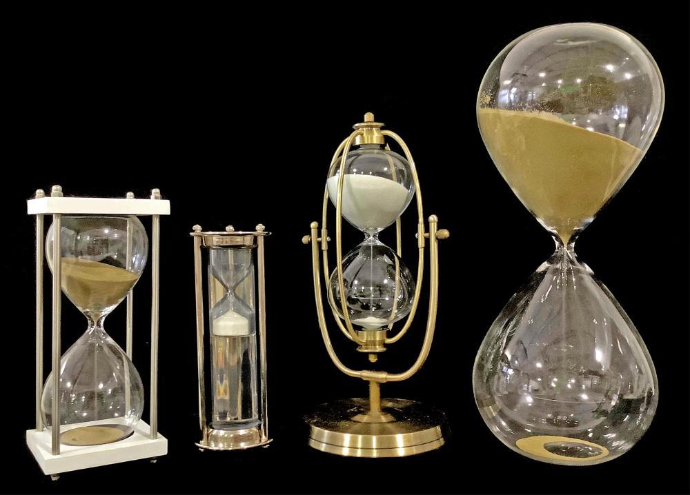 (4pc) Assorted Glass Sand Hour Glass