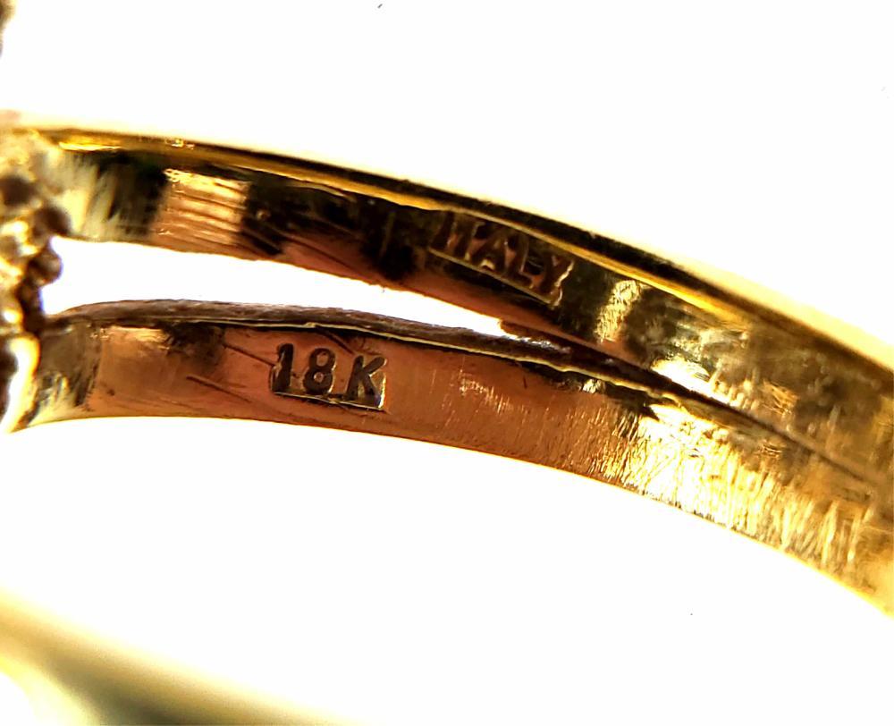 18K Gold, Diamond & Blue Topaz Ring Size (7.5)
