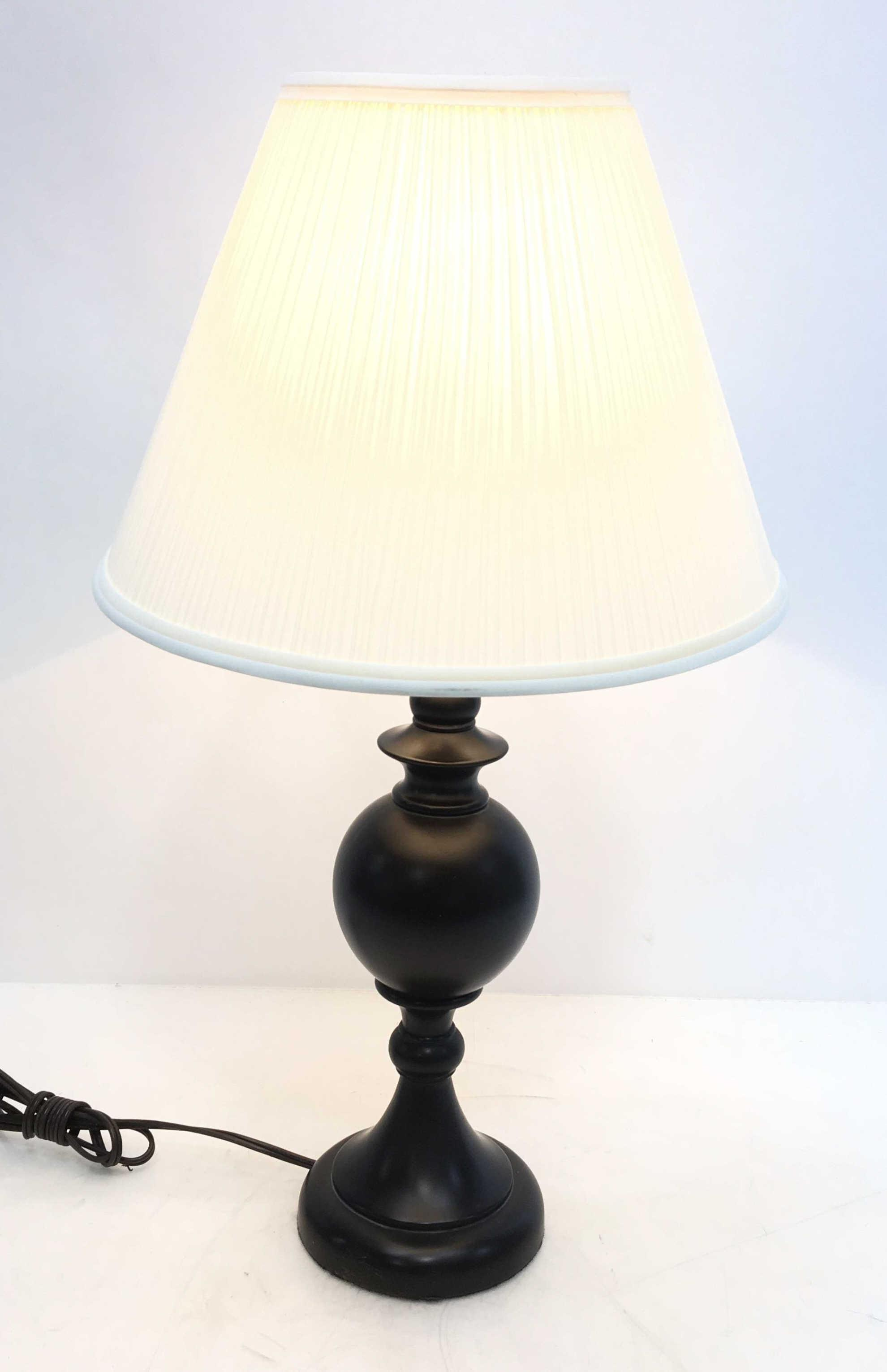 Contemporary Urn Style Table Lamp