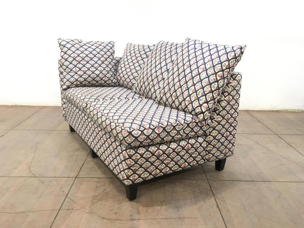 Contemporary Right Arm Pillowback Loveseat