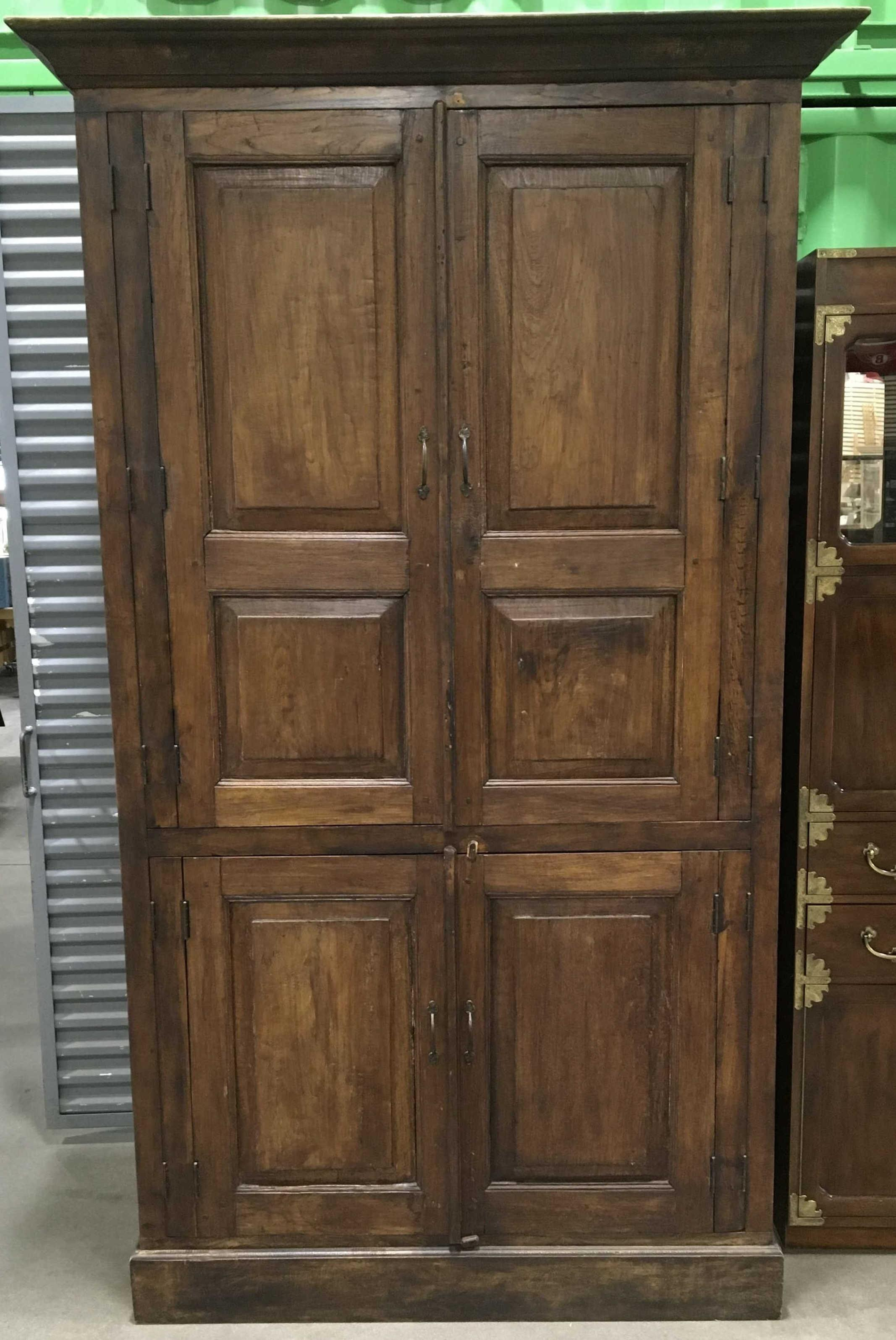 Traditional Style Solid Wood Entertainment Armoire