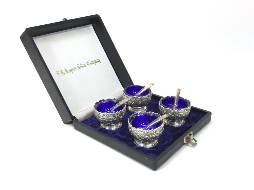 (4) Vintage Silver Plate Salt Cellars With Spoons